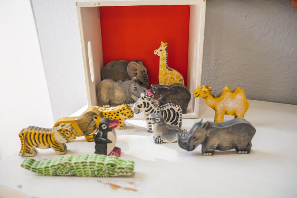Bemalte Holz-Tiere